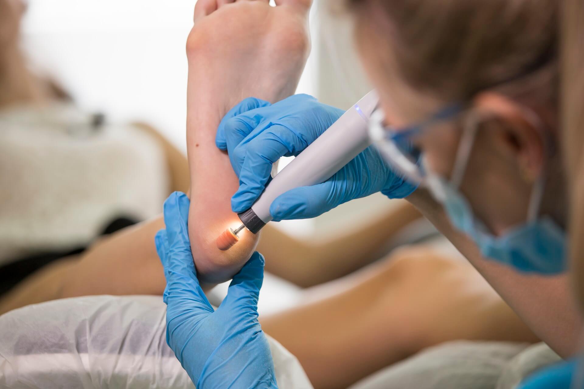zabieg podologiczny w gabinecie zdrowej stopy